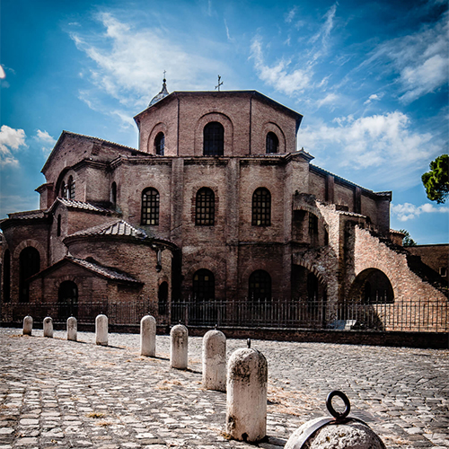 Among poets and musicians, we discover Ravenna: The Byzantine capital